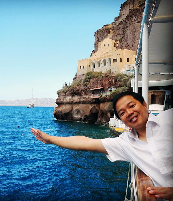 boat-tour-old-port-fira.jpg